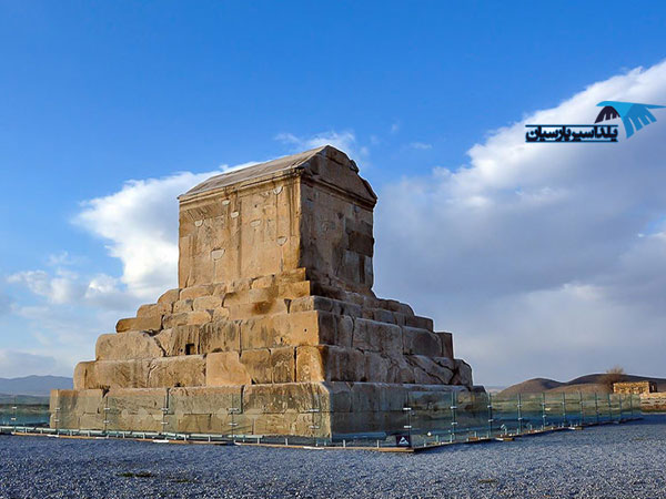 تور شیراز ۲ شب و ۳ روز ویژه|یلداسیر